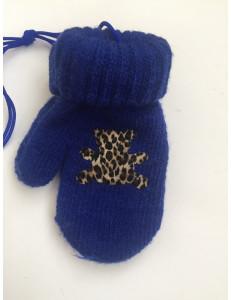 Варежки зимние на резинке синего цвета с мишкой
